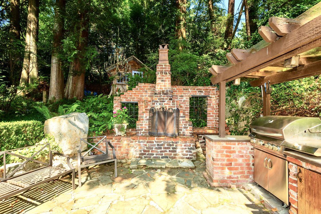 Old brick Fireplace & BBQ Patio