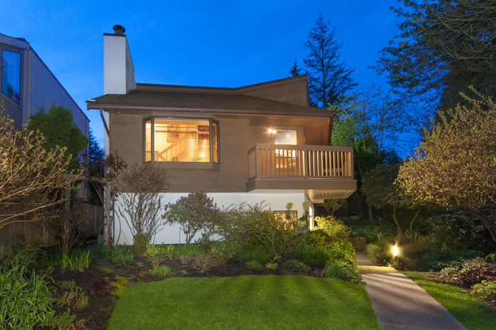 1449 Fulton Ave, West Vancouver, BC